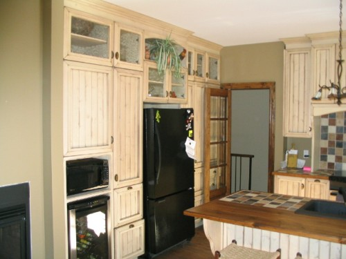 armoir de cuisine antique