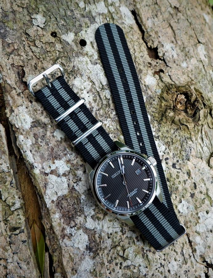 REVIEW: Dials&Straps James Bond, Regimental Helgray and Premium Seatbelt NATO Straps