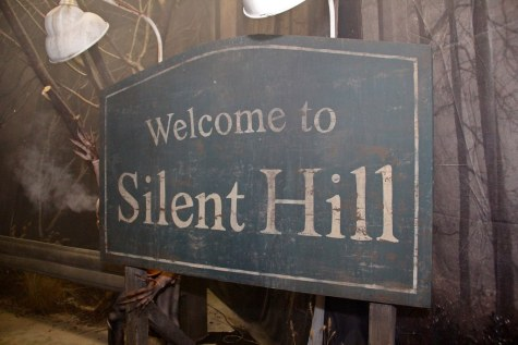 """Silent Hill haunted house at Halloween Horror Nights 22"" by insidethemagic is licensed with CC BY-NC-ND 2.0. To view a copy of this license, visit https://creativecommons.org/licenses/by-nc-nd/2.0/"