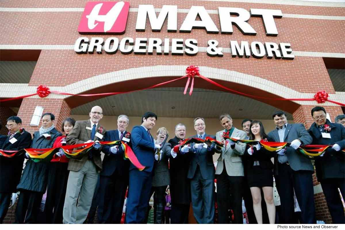 H Mart Ribbon Cutting