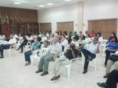 Los profesores del Calasanz de Santo Domingo escuchando una charla