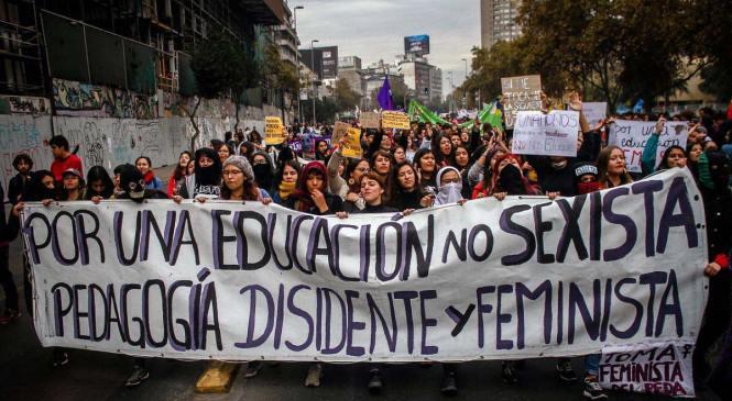 """Mujeres llaman a profundizar la democracia después del """"Mayo Feminista"""""""