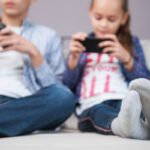 Estudio: Cómo las cuarentenas y las pantallas han influido en la miopía infantil