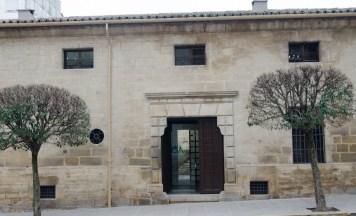 puerta entrada al centro