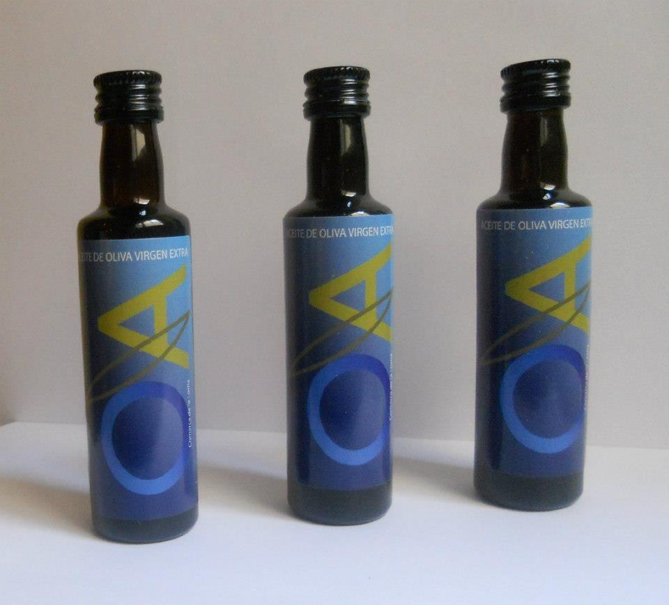 tres botellitas de aceite