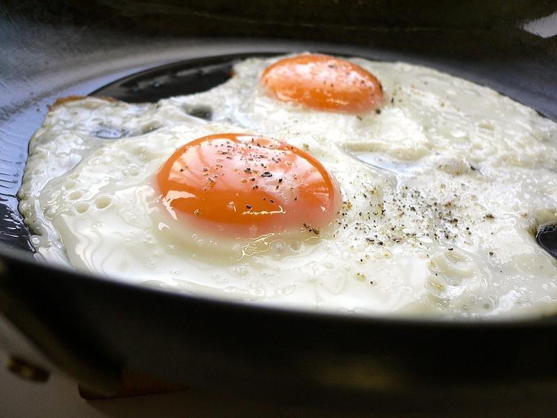 Huevos fritos con AOVE