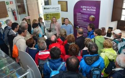 Siguen las visitas al centro de Interpretación Olivar y Aceite