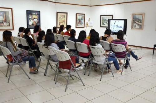Estudiantes de la Sede de Occidente de la UCR, durante una visita guiada realizada como parte del  Curso Seminario de Realidad Nacional, en la cual se les informó acerca de la vida y obra del ex presidente José Figueres Ferrer.