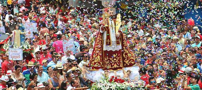 Entrada de los Santos: Tradición más que centenaria