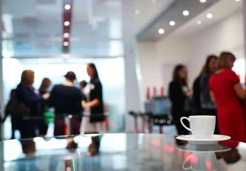 przerwa kawowa, catering na konferencji