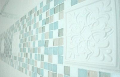 ceramic in wall stripe