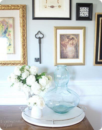 cg art and vase