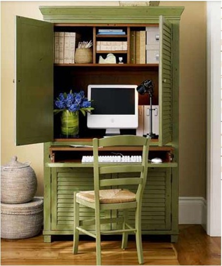 green computer hutch