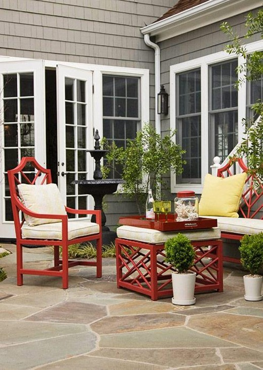 bhg greenery around outdoor sitting area
