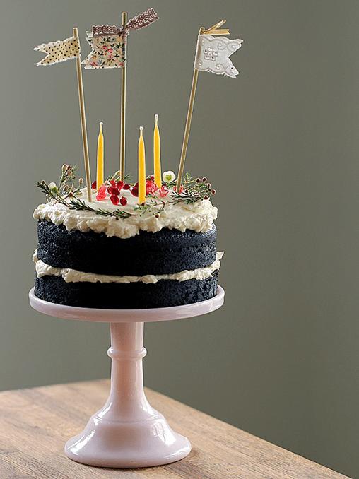 posie gets cozy bday cake