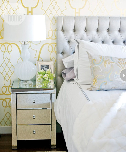 wallpapered bedroom styleathome