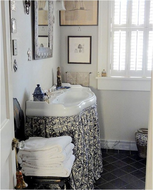 skirted bathroom sink