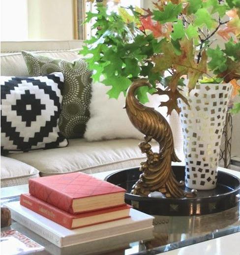 gold vase simple details