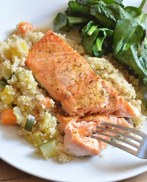 broiled salmon with quinoa