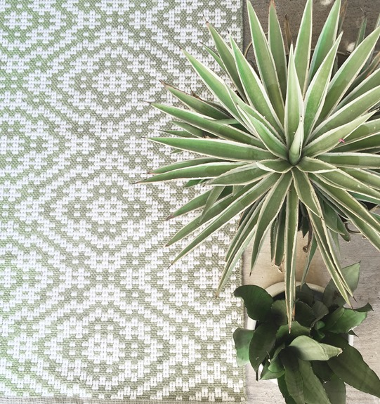 green poppy dash and albert rug