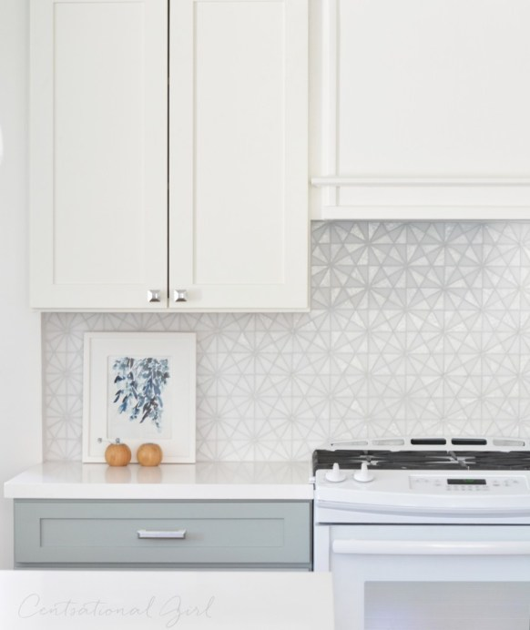 white upper kitchen cabinets gray lower glass tile backsplash
