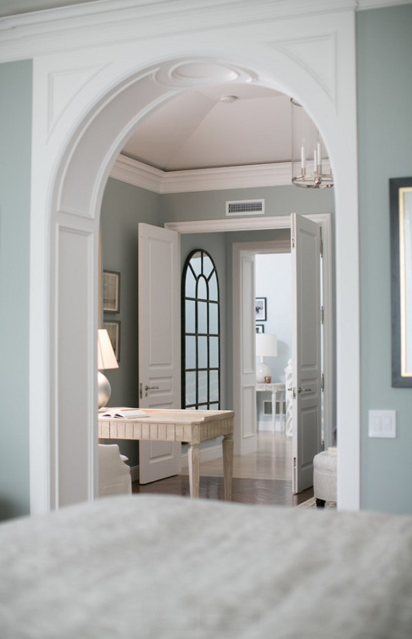 arched transition with wainscot molding