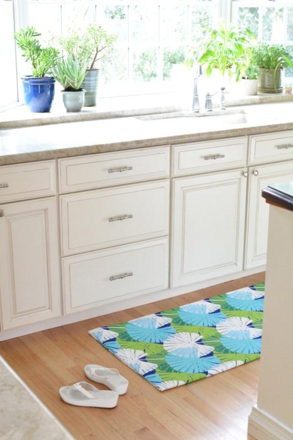 diy floor mat under sink