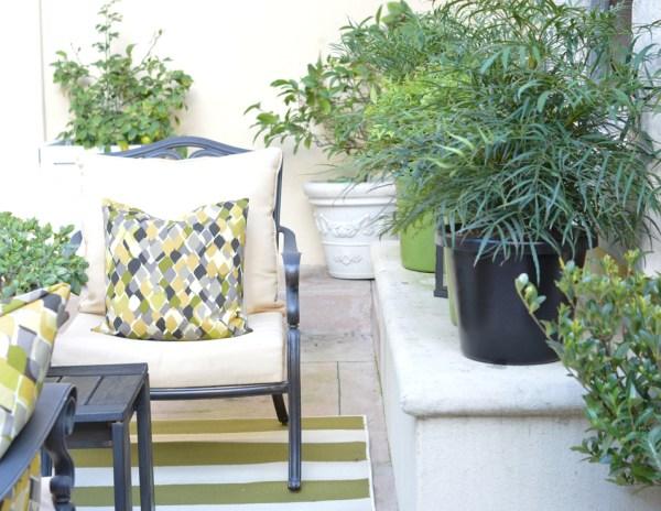 chair courtyard