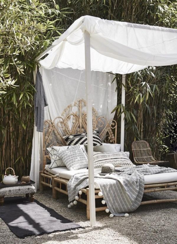 outdoor rattan bed