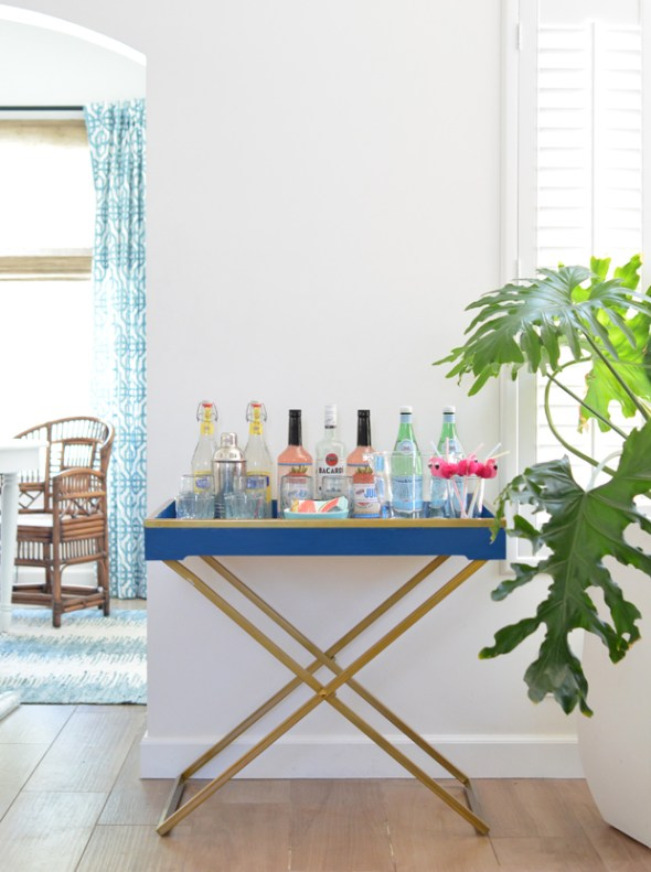 royal blue tray drink station