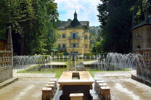 hellbrun palace