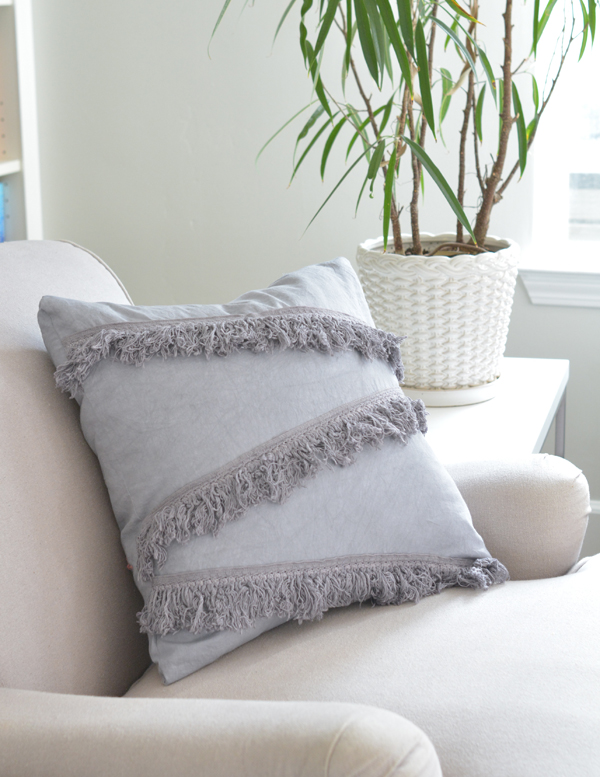 pearl-gray-dyed-fringe-pillow
