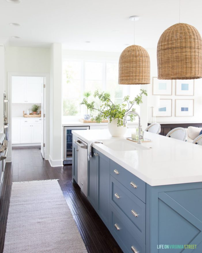 Forever Classic: Blue Kitchen Cabinets