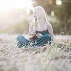field_grass_sitting_sunlight_69964_1920x1080