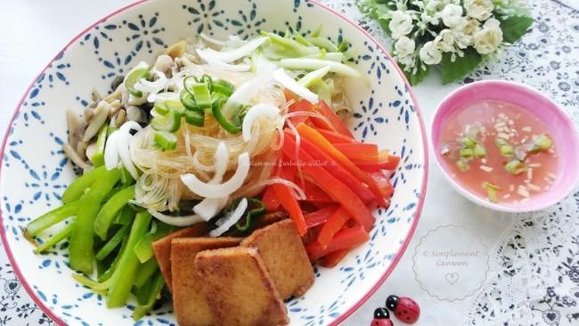 Sauté de légumes aux vermicelles de riz et au tofu