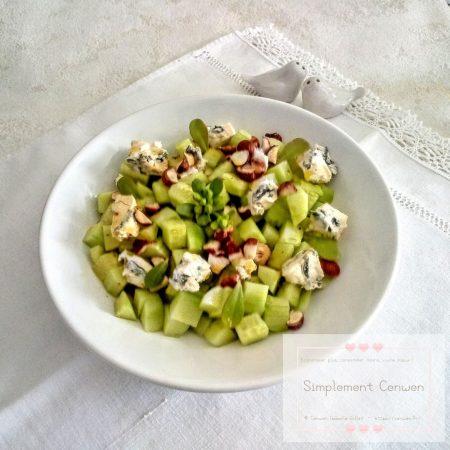 Salade composée au concombre bleu d'Auvergne etnoisettes