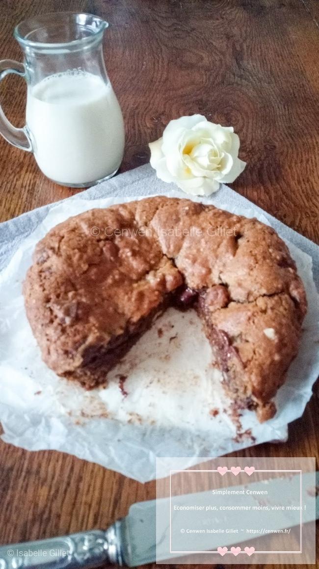 Cookie géant aux pépites de chocolat et noisettes