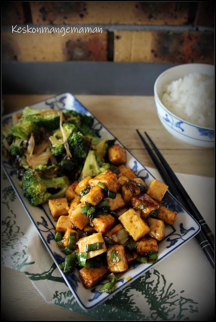 Sticky tofu et brocolis grillés