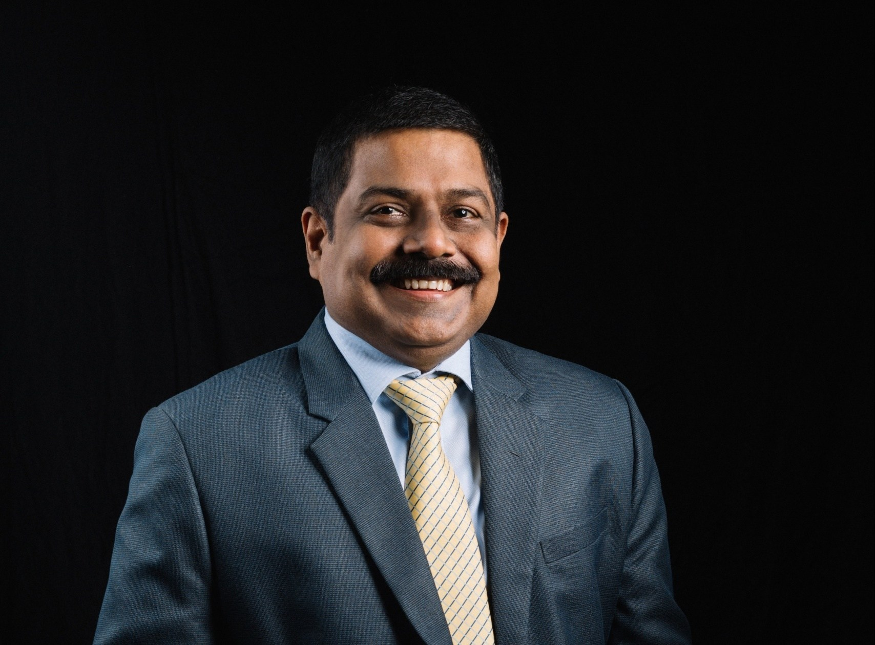 """""""Identify, evolve & adapt to stay relevant and future safe"""", S. Renganathan, MD & CEO of Commercial Bank of Ceylon PLC"""