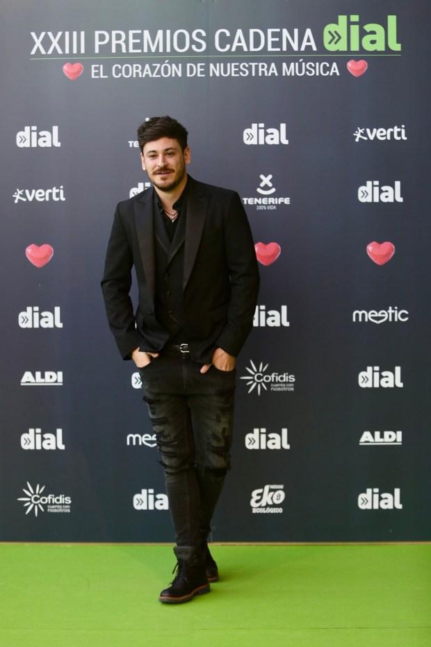 Luis cepeda en la afombra verde de los Premios Cadena Dial 2019 (Fuente: Instagram Cadena Dial)