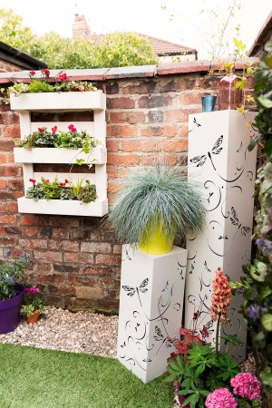 10 Quick And Easy Ways To Make Your Garden Look Great St Peters inside 20+ How To Build Your Own Vertical Garden With A Pallet