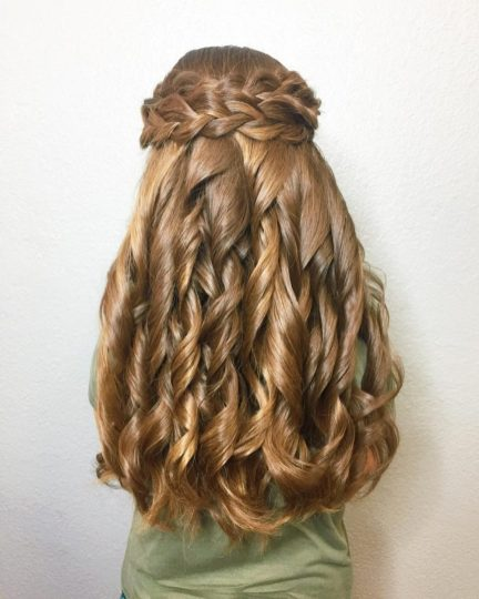 23 Cute Prom Hairstyles For 2019 Updos Braids Half Ups Down Dos in 20+ Nice Simple Hairstyles