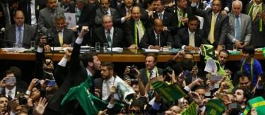 Rotundo voto contra Dilma la acerca a su destitucion