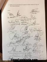 Las firmas del documento firmado por empresarios, el Estado y los trabajadores