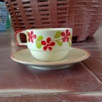 ชุดกาแฟดอกพวงทรงซ้อน 5.5 Oz.
