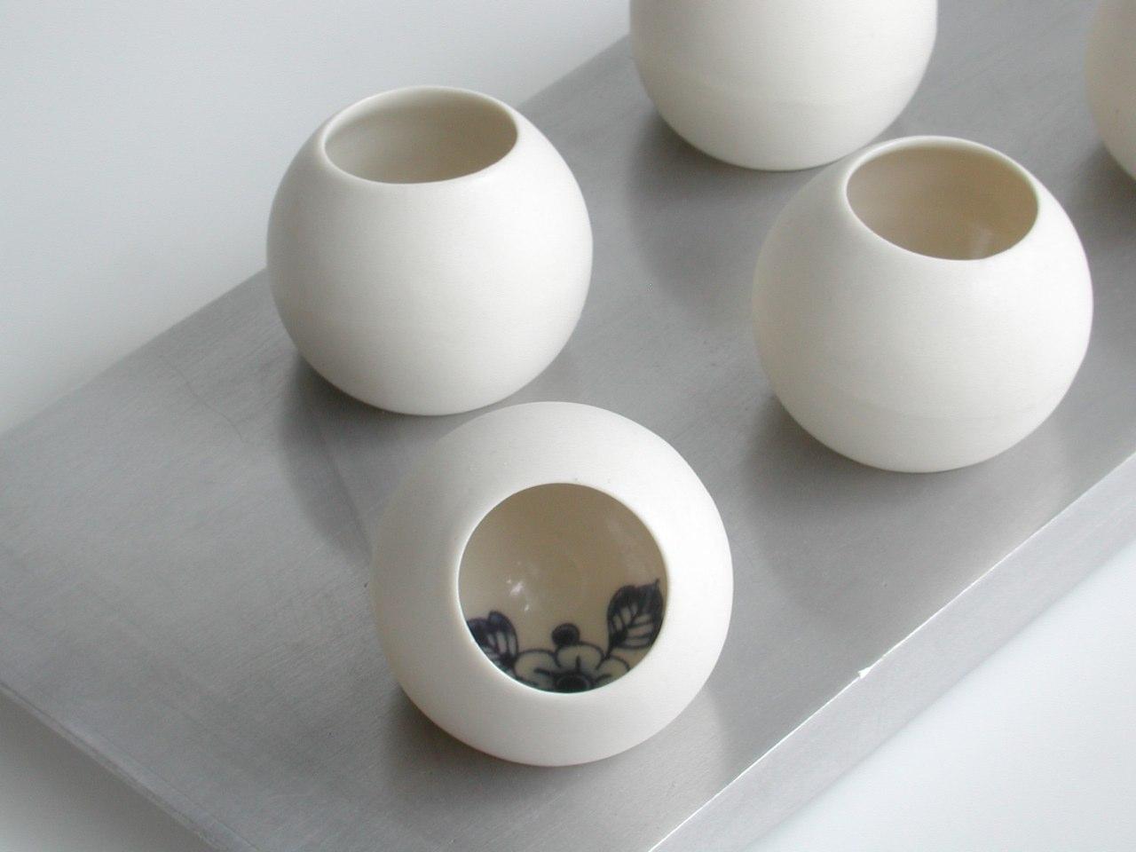 Aluminium schaal met 5 bolglaasjes
