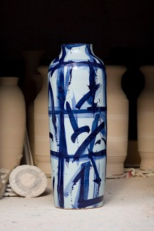 Blue and White monumental Vase, 2011 ᅠ Porcelain, Glazed, Kang Qian Cobalt oxide 191 x 71 cms