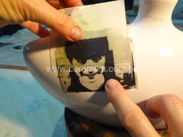 aplicação de decalque ceramico
