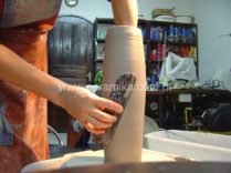 modelagem de vaso em ceramica