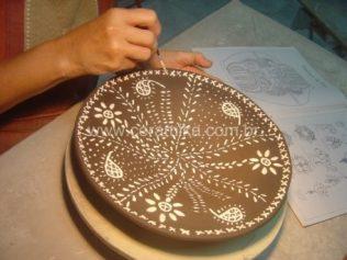 slip de porcelana para decorar o prato